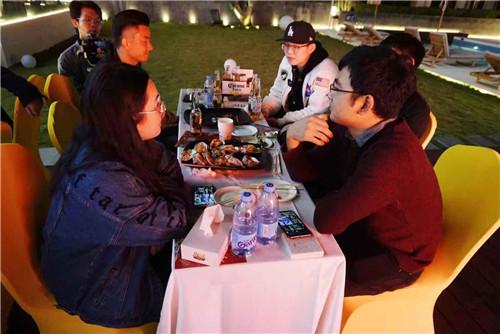 玩家想要吃穷官方《魔域口袋版》回应:吃喝管够!