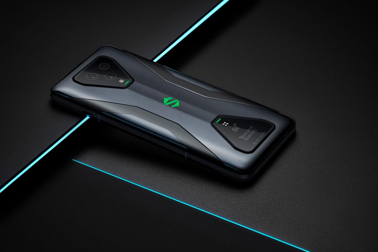 """不止65w極速閃充,詳解騰訊黑鯊游戲手機3的""""串充并放""""專利技術"""