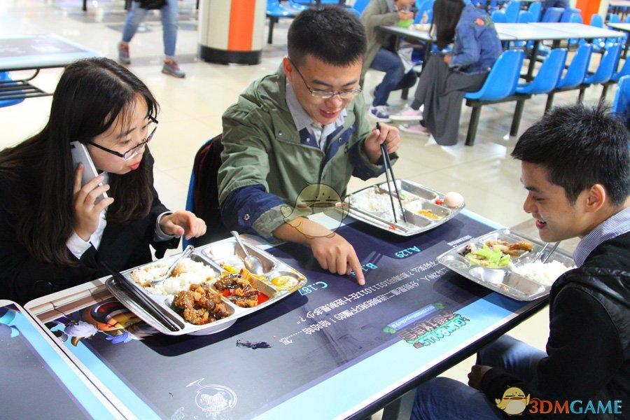 大学食堂惊现餐桌谜题《不思议迷宫》烧脑谜题强势登陆全国高校